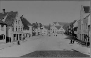 Marktplatz um 1895